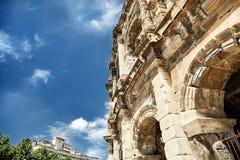 Antyczny Romański amphitheatre w Nimes zdjęcie stock