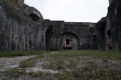 Antyczny ruina widok na zewnątrz fortu Pickens Obraz Stock
