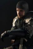 Antyczny rycerz w metalu opancerzeniu fotografia royalty free