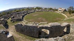 Antyczny rzymianin rujnuje blisko miasteczka Rozszczepiającego w Chorwacja Obraz Royalty Free