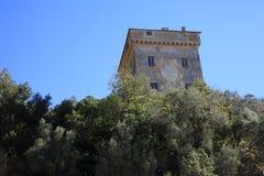 Antyczny San Fruttuoso kamienia wierza widok, Genova, Liguria, Włochy, Europa zdjęcia stock