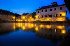 Antyczny termiczny skąpanie w Bagnie Vignoni, Włochy zdjęcie stock