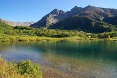 Antyczny wulkan i jezioro Zdjęcia Stock