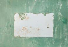Antyk starzał się znaka z zieleń textured farbą i białego prostokąta pustego teren w środku obrazy royalty free