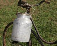 Antyka mleko może aluminium używać once długi czas od mil temu Zdjęcie Royalty Free