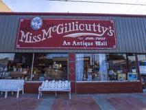 Antyki i Collectibles sklep w wiosce Jenks w Oklahoma OKLAHOMA, PAŹDZIERNIK - 24, 2017 - JENKS - Zdjęcia Stock