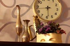antyki Stary żelazo, dzbanek i waza, stare rzeczy fotografia royalty free