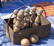 Antykwarscy drewniani kręgle ustawiający zdjęcia royalty free