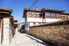 Antykwarscy odrodzenie domy w Koprivshtitza fotografia royalty free