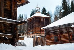 Antykwarska drewniana przemysłowa architektura zdjęcie stock