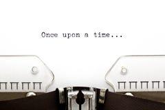 antykwarska kawa umowy gospodarczej kubek fasonował świeżego rano czasu długopisy sceny starą maszynę do pisania raz Zdjęcie Royalty Free