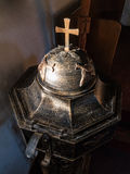 Antykwarska ochrzczenie chrzcielnica Obraz Stock