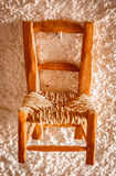 Antykwarski łozinowy i drewniany krzesło Zdjęcia Royalty Free