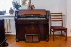 Antykwarski antykwarski pianino Obrazy Royalty Free