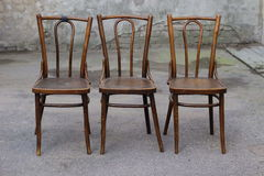 Antykwarski Bentwood Wiedeński krzesło - Łamający krzesło Zdjęcie Stock
