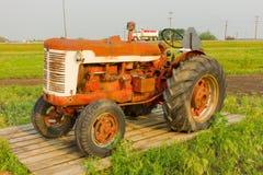 Antykwarski ciągnik przy rolniczym muzeum w Saskatchewan Obraz Royalty Free