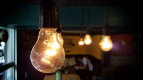 antykwarski ciemny biurka łuny zieleni lampy rocznik Obrazy Royalty Free
