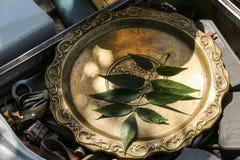 Antykwarski dekoracyjny kruszcowy talerz Obraz Royalty Free