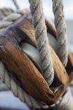 Antykwarski drewniany potrójny deadeye Fotografia Royalty Free