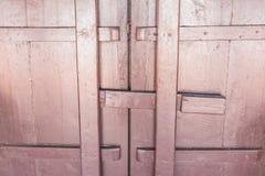 Antykwarski drzwi na starej Tajlandzkiej świątyni Obraz Stock