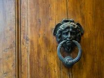 Antykwarski Drzwiowy Knocker, Siena, Tuscany, Włochy zdjęcia royalty free