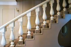 antykwarski karło rzeźbiący wewnętrzny luksus Fotografia Stock