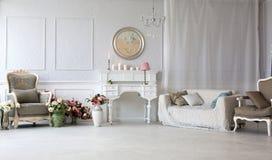 antykwarski karło rzeźbiący wewnętrzny luksus fotografia royalty free