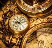 Antykwarski kieszeniowy zegarek. zdjęcia royalty free