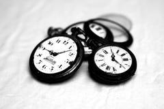 Antykwarski kieszeniowy zegarek czarny i biały 2 fotografia stock