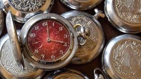 Antykwarski kieszeniowy zegarek w retro stylu zamkniętym w górę zdjęcia royalty free