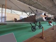 Antykwarski militarny śmigła wsparcia samolot na pokazie Królewski Museu Obrazy Stock