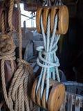 Antykwarski nautyczny pulley zdjęcie stock