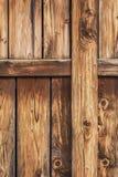 Antykwarski Nieociosany Sosnowego drewna stajni drzwi - Detail_ Zdjęcia Stock