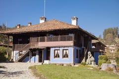 Antykwarski odrodzenie dom w Koprivshtitza zdjęcie stock