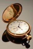 antykwarski płaski złocisty grafiki kieszeni widok zegarek Obraz Stock