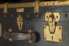 Antykwarski parostatku bagażnika kędziorek Obrazy Stock