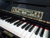 Antykwarski pianino fabrykujący Arnold Fibiger w Sergeyev-Tsensky domu obraz royalty free
