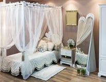 Antykwarski rocznika łóżko Fotografia Stock