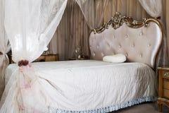 Antykwarski rocznika łóżko Zdjęcie Royalty Free