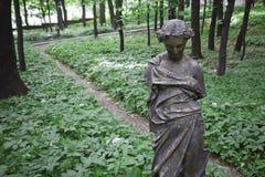 Antykwarski rzeźba park obrazy stock