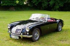 Antykwarski samochód MG Zdjęcia Royalty Free