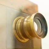Antykwarski Stary fotografii kamery zbliżenie Starego rocznika drewniana kamera Obraz Royalty Free