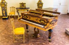 Antykwarski uroczysty pianino w Catherine pałac Obrazy Royalty Free