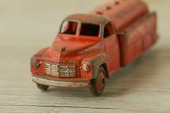 Antykwarski zabawki czerwieni samochód Zdjęcia Royalty Free