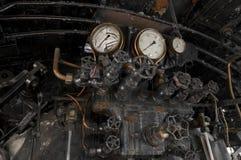 Antykwarskie parowej lokomotywy cocpit gałeczki Zdjęcia Royalty Free