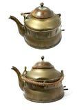 antykwarskiego mosiądza odosobniony teapot biel Obrazy Royalty Free
