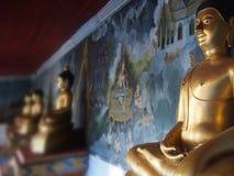 Antykwarskiej Buddha statuy stara Tajlandzka sztuka w Tajlandia Zdjęcia Royalty Free