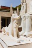 Anubisstandbeeld dat met Zandsteen met Farao in Doubai maakte stock foto's