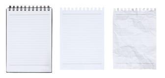 Anule o caderno e a página rasgados no fundo branco Imagem de Stock