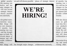 Anuncio del trabajo en periódico Imagen de archivo